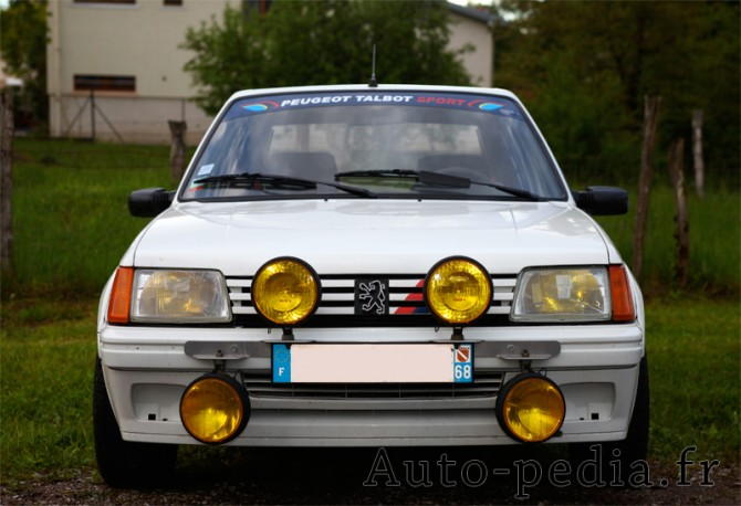 25 ans de la 205 rallye et 10 ans du 205 rallye club de france - Garage peugeot rambouillet ...